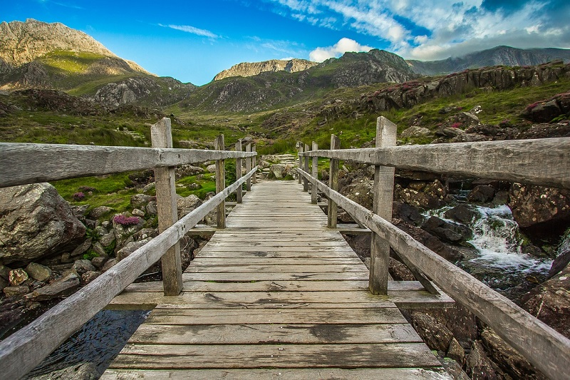 4 Must-Visit Places on a Road Trip Across Wales, Snowdonia National Park Mountain Scene