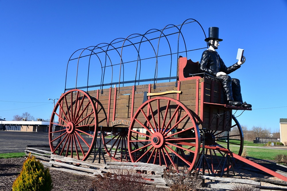 Covered Wagon on Route 66 in Lincoln, Illinois