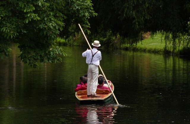 Punting on the River Avon, Christchurch Airport Campervan Hire, rV Rentals, Motorhome Rental