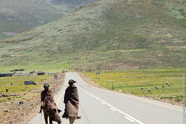 Estrada para Sani Pass, África do Sul